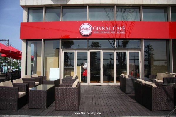 ban ghe gia may Givral Cafe