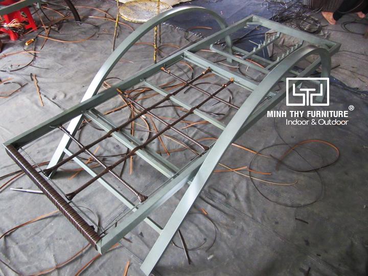 Ghế hồ bơi ngoài trờiMT488 được hoàn thànhnhư thế nào?