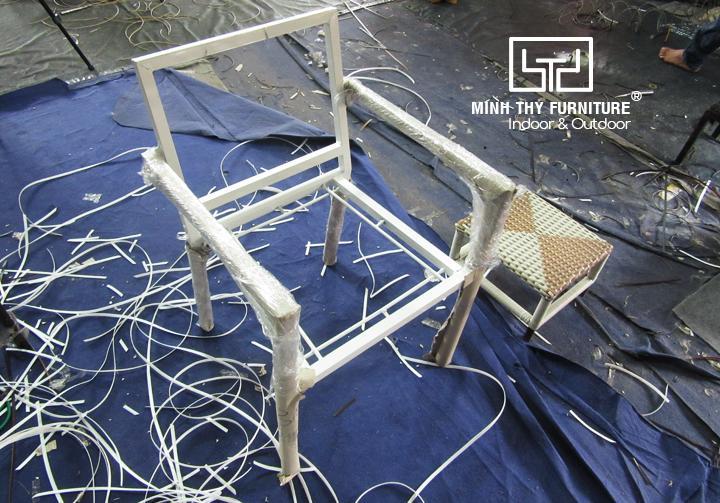 Bật mí kiểu đan độc đáo dành cho ghế cafe giả mây tại Minh Thy Furniture