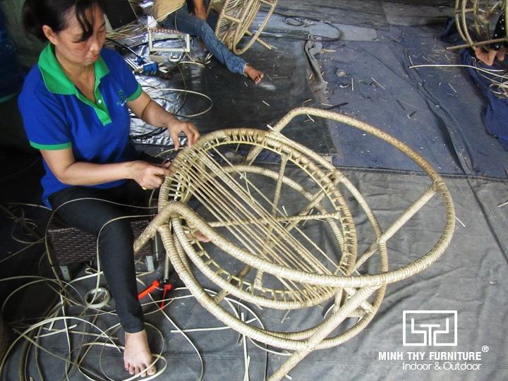 Xưởng đan ghế giả mây
